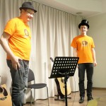 Rodzinna lekcja gry na gitarze szkoła muzyczna t.burton 10